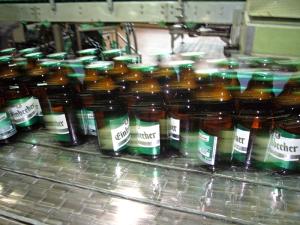 Die neue Abfüllung schafft 30.000 Flaschen in der Stunde.