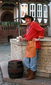 Als Gästeführer schlüpft der Einbecker Peter Nolte heute in Rolle und Kostüm des historischen Braumeisters Elias Pichler.