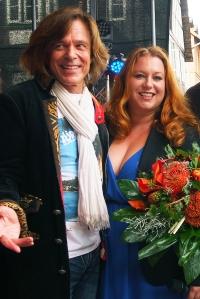 Rebecca Siemoneit-Barum, hier beim Eulenfest in Einbeck 2014 mit Mallorca-König Jürgen Drews.