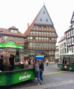 Einbecker Tag der Niedersachsen in Hildesheim auf dem Marktplatz vor dem Knochenhaueramtshaus.