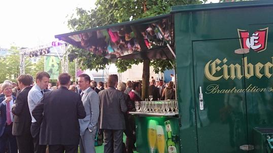 Bockbier-Heimat in der Hauptstadt: Einbecker beim Sommerfest Niedersachsens in Berlin.