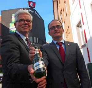 Martin Deutsch (r.) übernimmt von Walter Schmidt die Vertriebs- und Marketingaktivitäten im Vorstand.