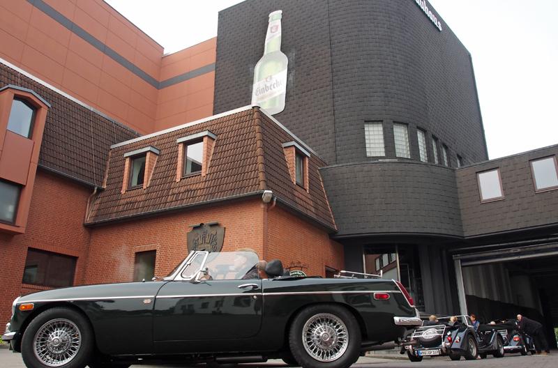 Kompromisslos offen: Roadster-Treffen auf dem Brauhaus-Hof.