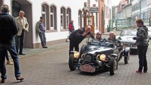 Roadster-Treffen: Start auf dem Einbecker Brauereihof.