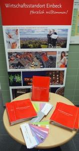 Markantes Rot: Die neue Broschüre ist im Eicke'schen Haus in Einbeck erhältlich.