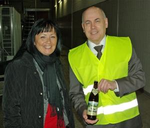 Astrid Klinkert-Kittel mit Brauhaus-Vorstandsprecher Lothar Gauß.