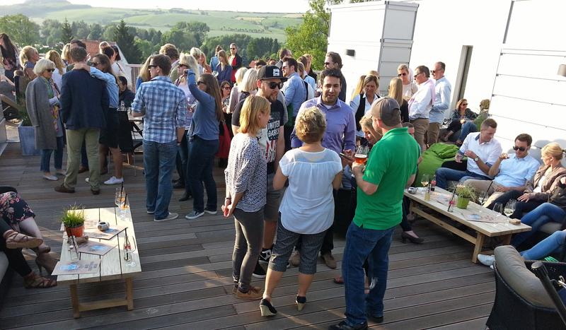 Gut besucht: die Premiere der After-Work-Partys in Einbeck.