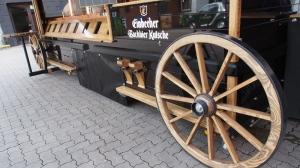 Holzspeichenräder.